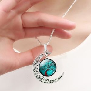 Jewelry - Tree of Life silver necklace. Free gift included.